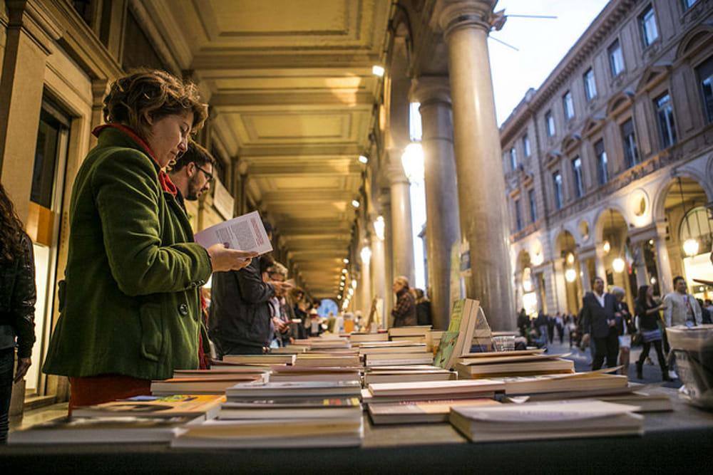 """Torino e i """"Portici di Carta"""": torna la libreria più lunga del mondo"""